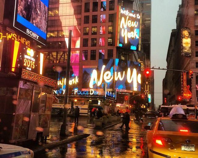 Fome de Madrugada?  8 Melhores Restaurantes  Abertos Até Tarde da Noite em Nova Iorque